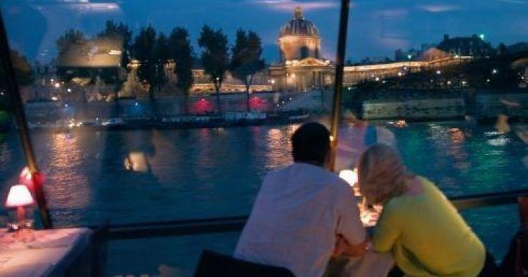 Romantic River Cruise Paris an intimate experience