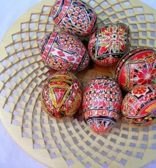 Easter 2015, children love egg hunts in Paris