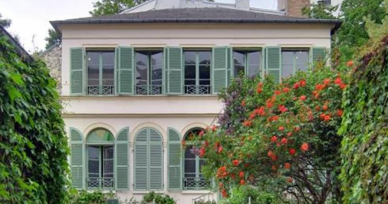 Visit the Museum of Romantic Life during your stay in the capital