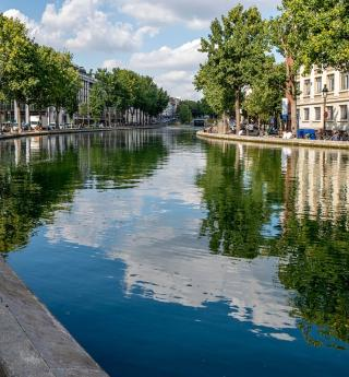 A cruise on the Canal Saint-Martin