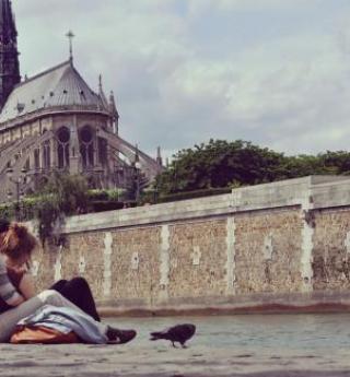 Lune de miel romantique et estivale, célébrez votre amour !