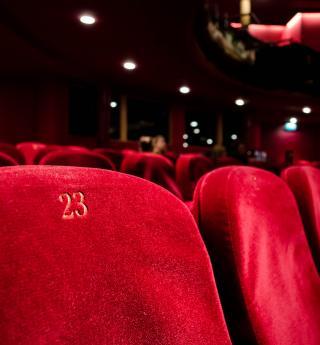 Le théâtre Mogador, écrin des comédies musicales à Paris