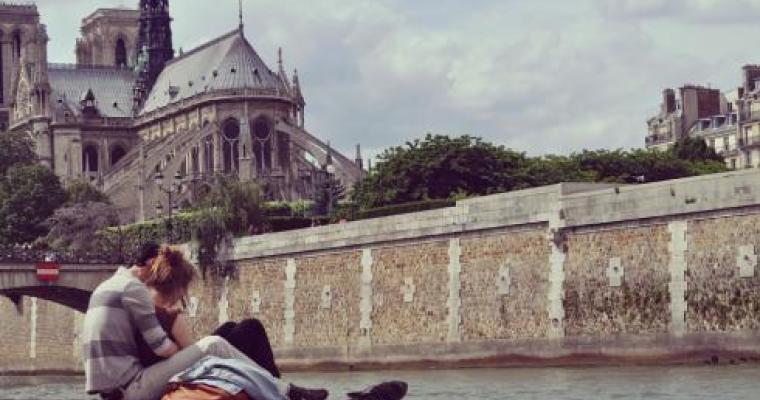 A romantic summer honeymoon - celebrate your love!