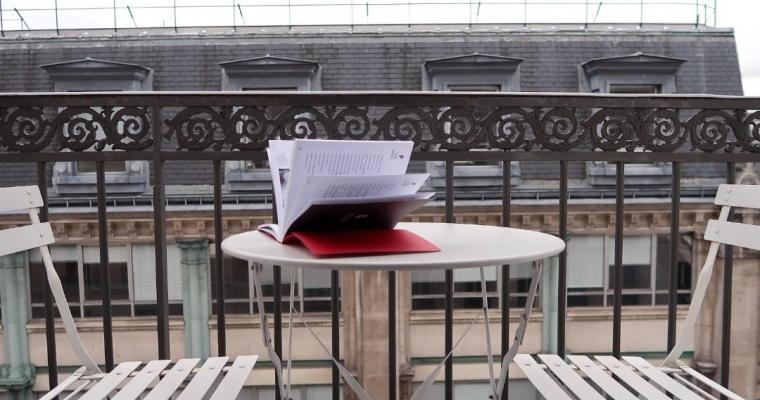 Patio and balconies; enjoy the outdoor spaces of the Plumes Hôtel