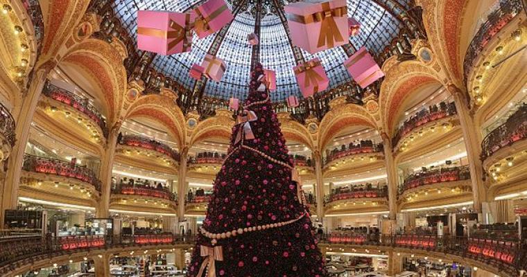 Paris fête Noel; The capital's magic places