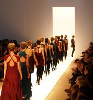Vivez la magie des défilés à Paris durant la Fashion Week