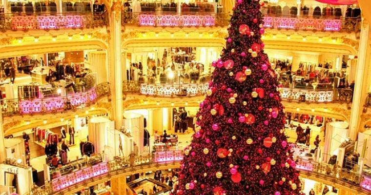 Magical moments: Christmas shopping in Paris