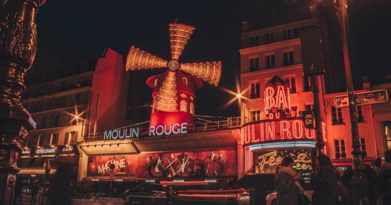 Open-air cinema at the Bar à Bulles