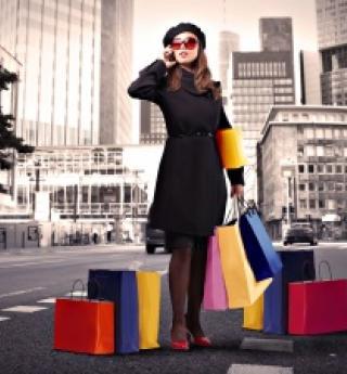 Les grands magasins parisiens en délire avec les soldes d'hiver