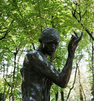 A walk in the gardens of the Rodin Museum
