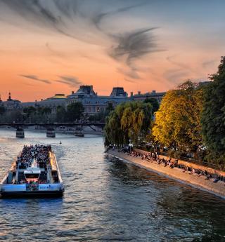 Hymne à l'amour : une croisière sur la Seine