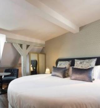 Les Plumes Hôtel et sa Suite romantique : un conte de fées