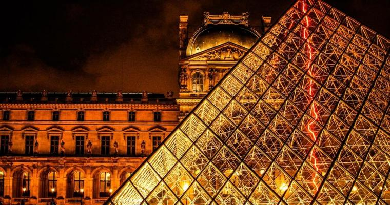 Paris gastronomy lounge and Beaujolais wines at the Louvre