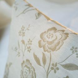 Les Plumes Hôtel Paris - Chambre Coussins motif fleuri