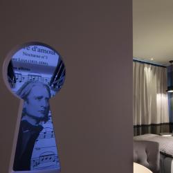 Les Plumes Hôtel Paris - Chambre Dressing détails