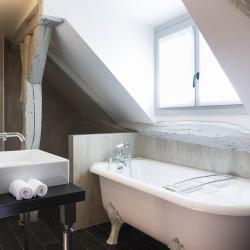 Les Plumes Hôtel Paris - Chambre Prestige baignoire à l'ancienne