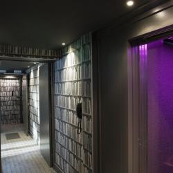 Les Plumes Hôtel Paris - Couloir bibliothèque