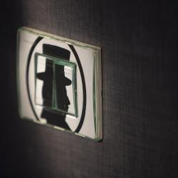 Les Plumes Hôtel Paris - Interrupteur design